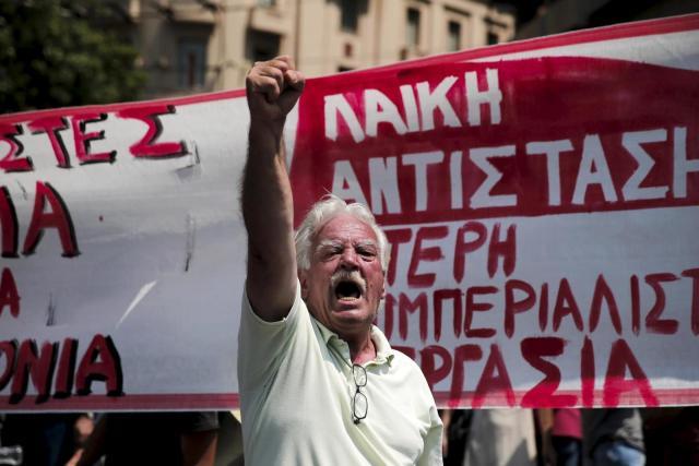 cisma-en-syriza-huelgas-y-disturbios-asi-fue-la-jornada-mas-decisiva-de-grecia.jpg